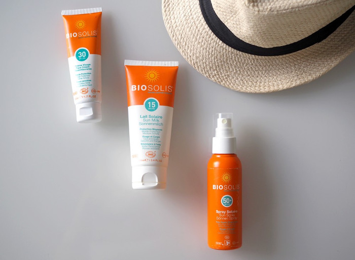 physical and chemical sunscreen cancer