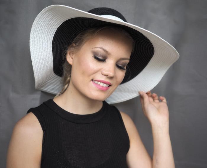 beauty blogger summer makeup