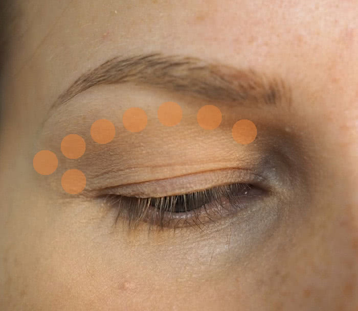 how to eye shadow crease colour for deep set eyes