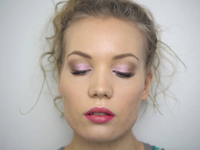 contour for eyes