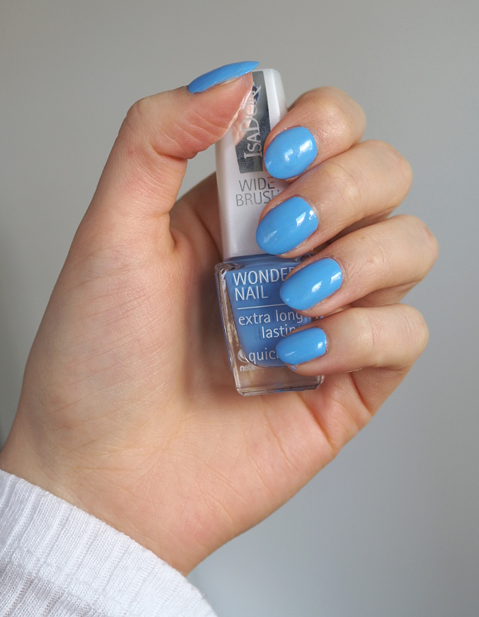 isadora scuba blue nail polish