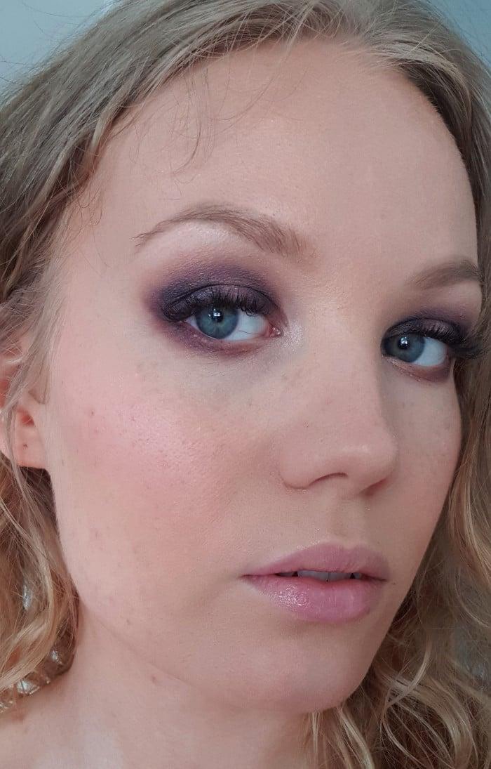 purple eyeshadow makeup look