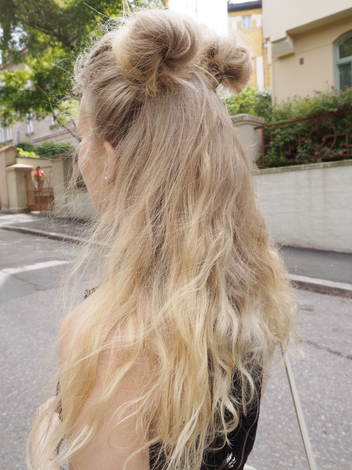 space buns blonde hair