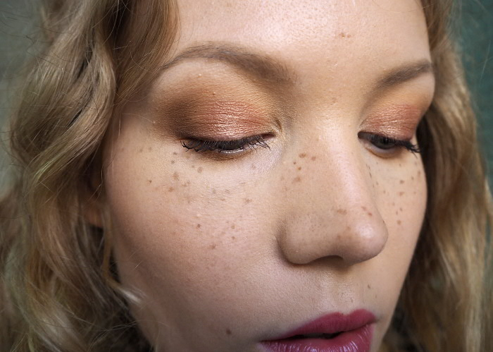 how to fake freckles