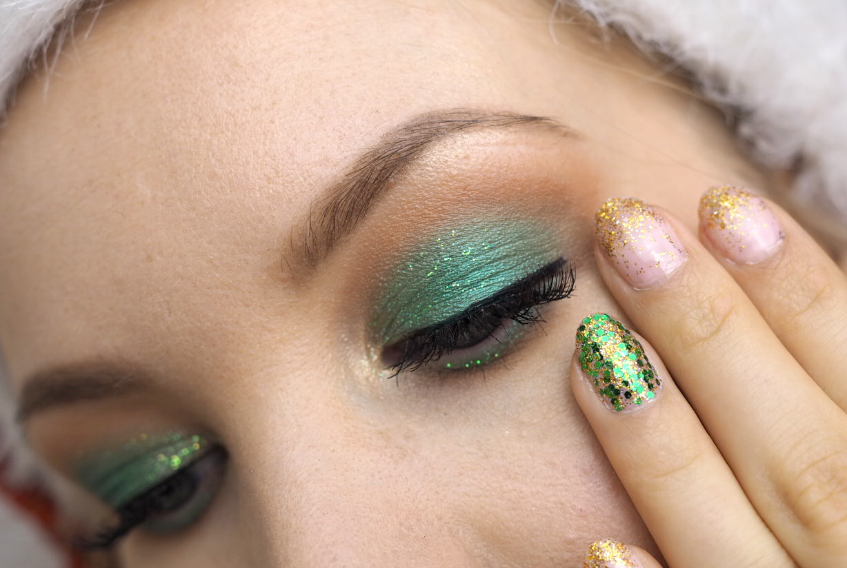 green gold glitter eye makeup