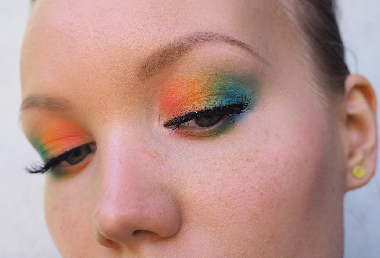 colorfuleye makeup rainbow colors