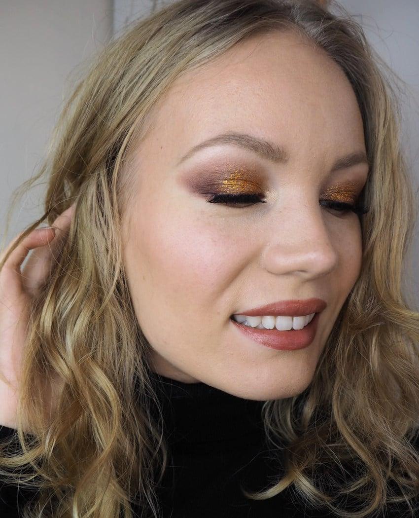pre Christmas Gold Glitter Makeup