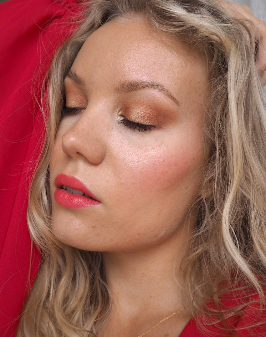 glowy bronzy summer makeup