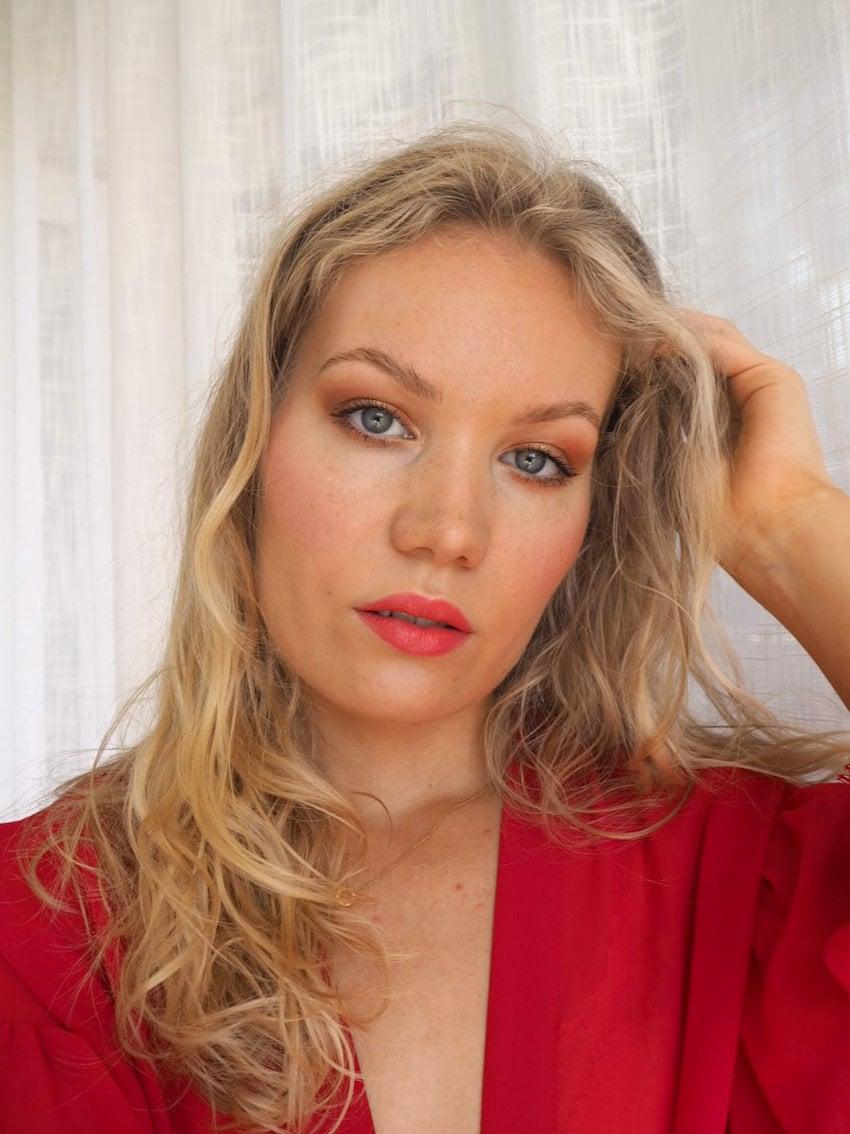 glowy bronzy summer makeup