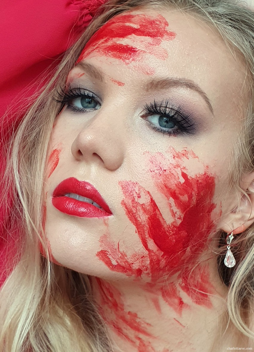 bloody halloween makeup look by charlotta eve