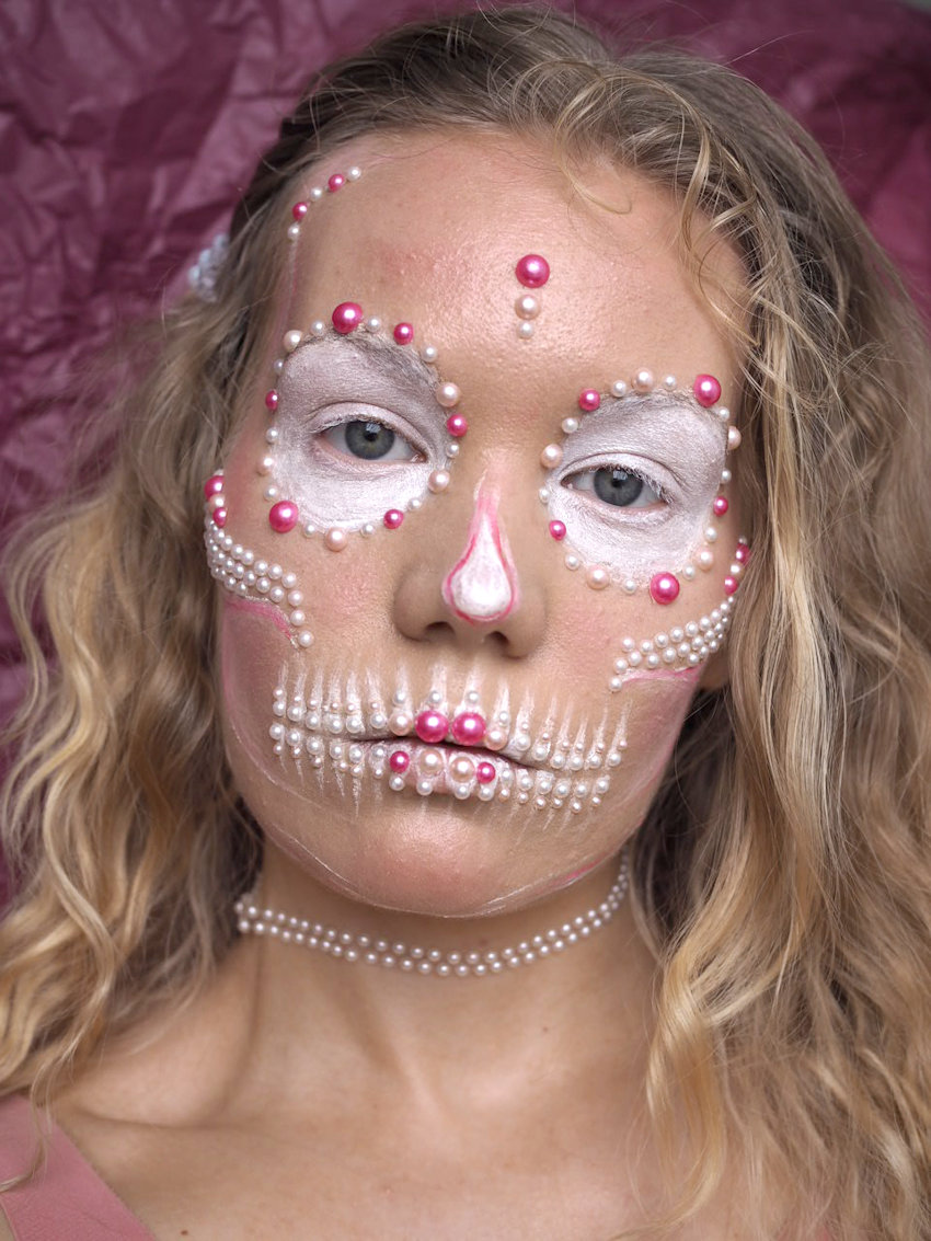 pearl skull easy halloween makeup tutorial