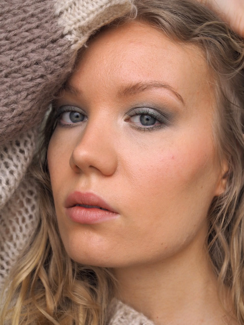 concealing dark circles how to