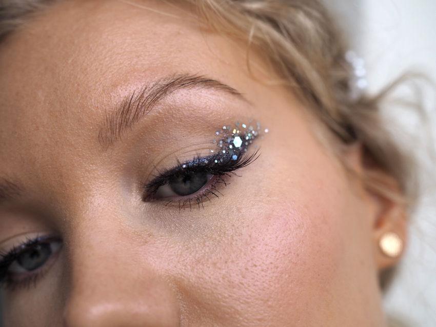 glitter liner makeup