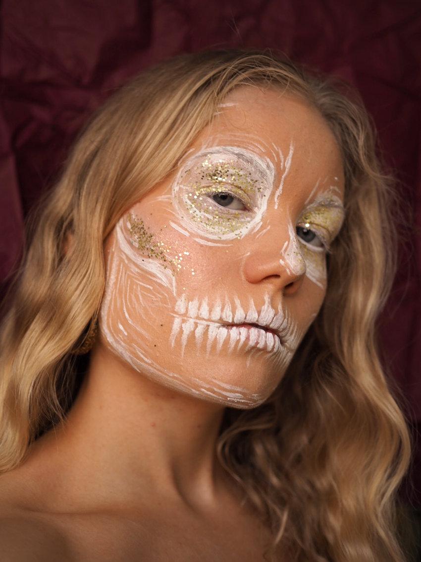 Draft Skull Easy Halloween Makeup