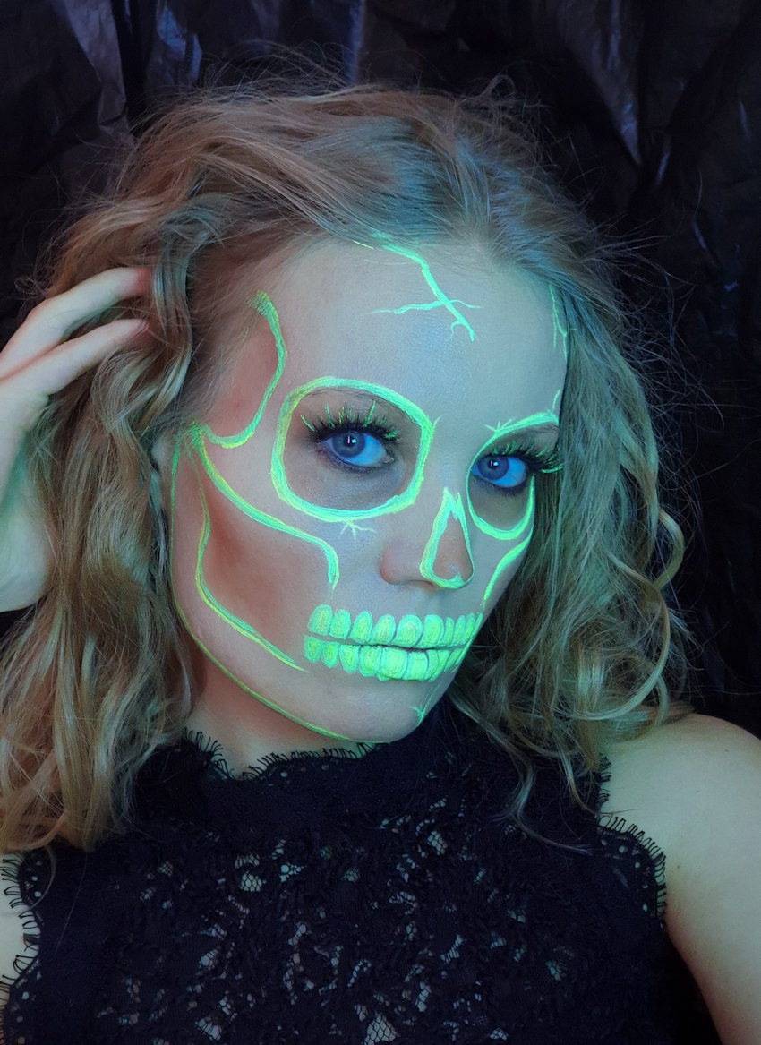 neon skull halloween suva beauty uv taffies